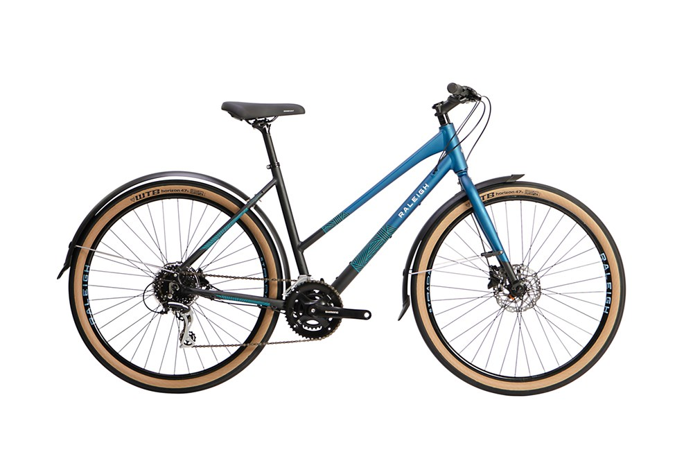 Sport, Leisure & Hobbies 2021 Raleigh Strada City Open Frame Hybrid Bike in Black and Blue